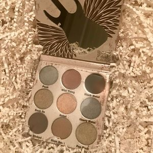 NIB! Crown Glam Metal Eyeshadow Palette!!